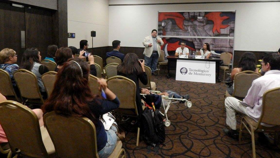 Presentación del libro en la Feria Internacional de Libro de Monterrey