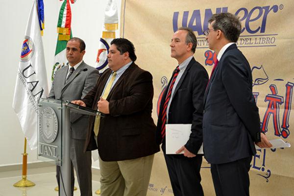 Celso Garza Acuña director de Publicaciones UANL