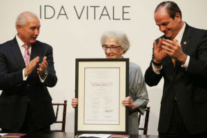 Expresa gratitud Ida Vitale a México y Alfonso Reyes