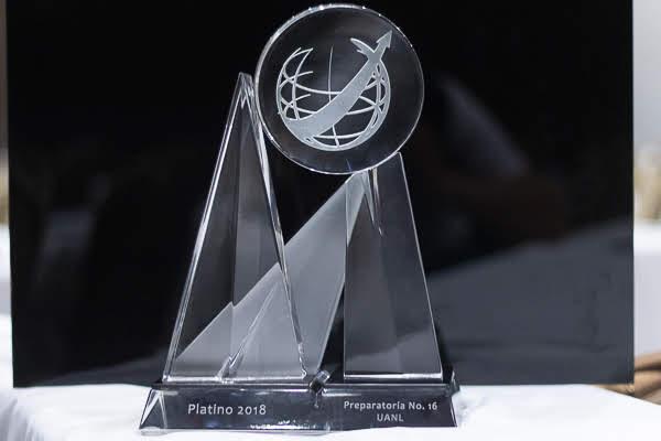 Recibe UANL Premio Nuevo León a la Competitividad