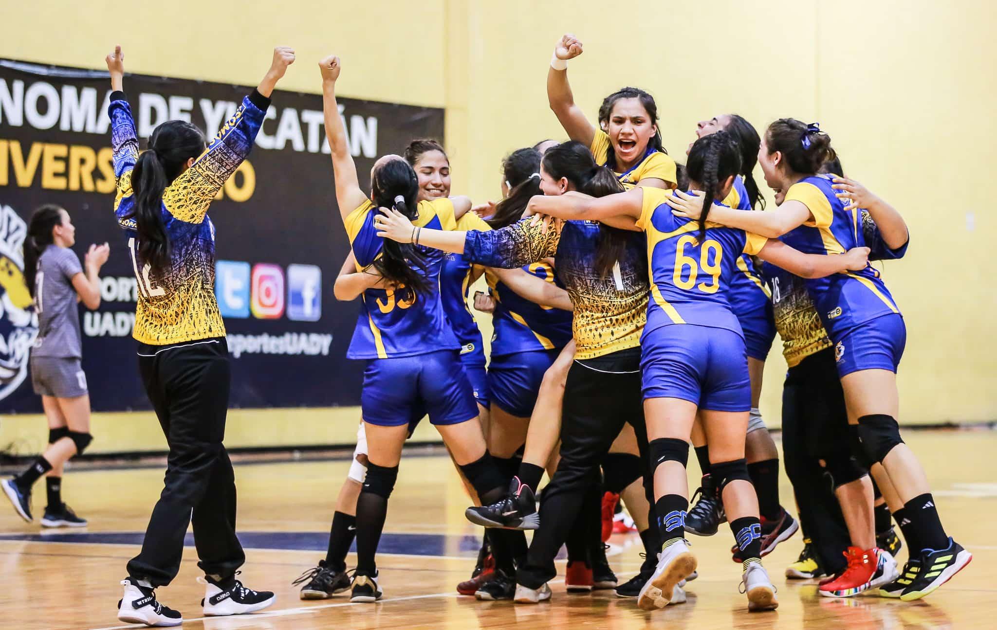 Festejo de Handball femenil campeonas 2019