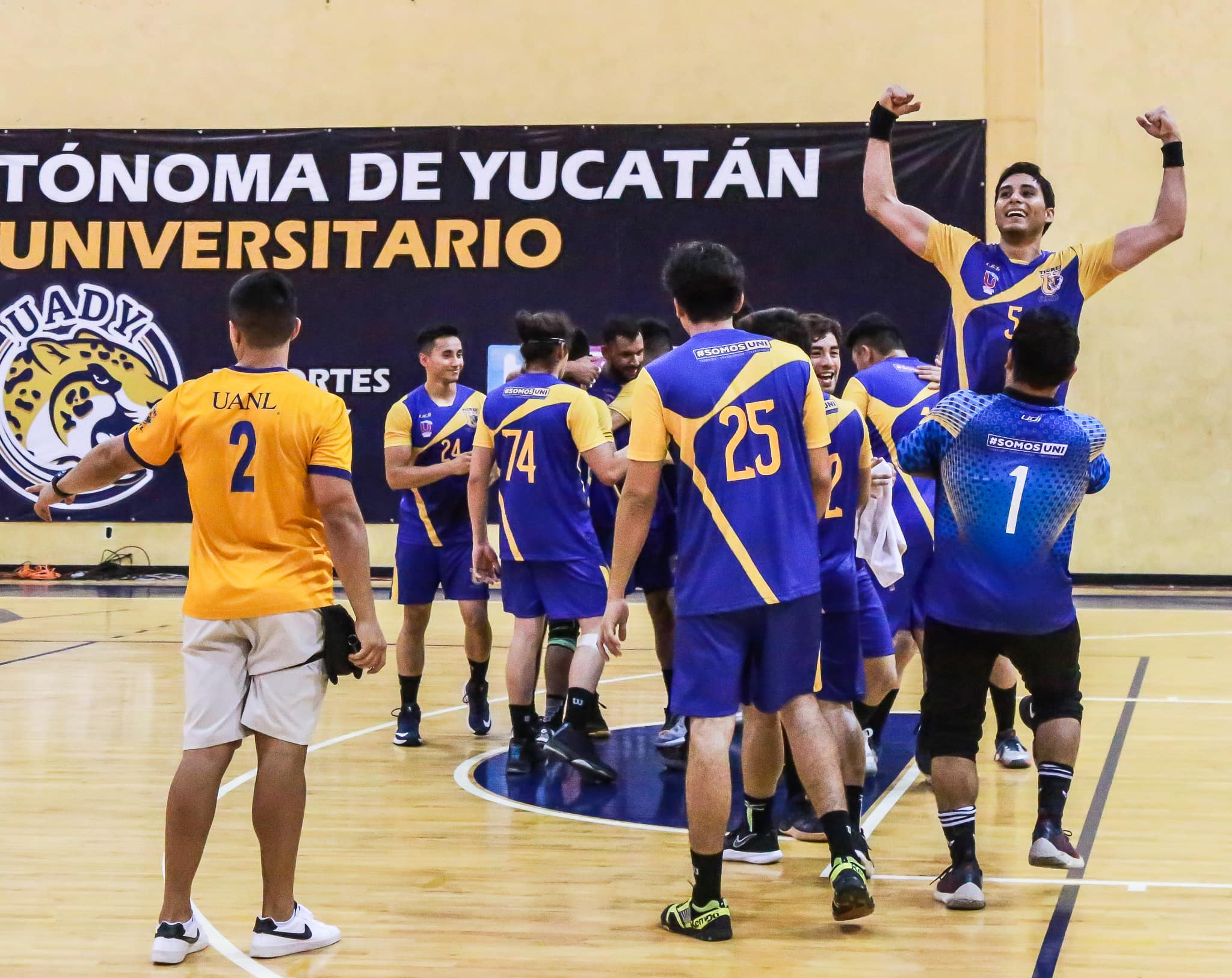 Festejo de Handball varonil campeones 2019