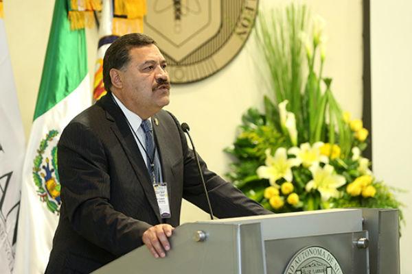 Mensaje del Dr. Santos Guzman, director de la Facultad de Medicina y Hospital Universitario