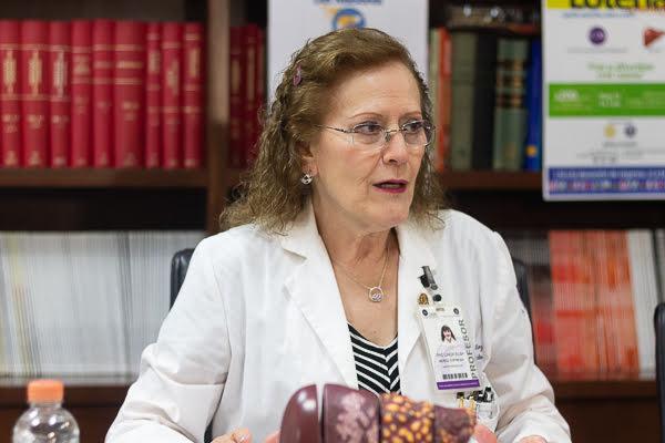 Dra. Linda Muñoz Espinoza, Jefa de la Unidad del Hígado del Hospital Universitario