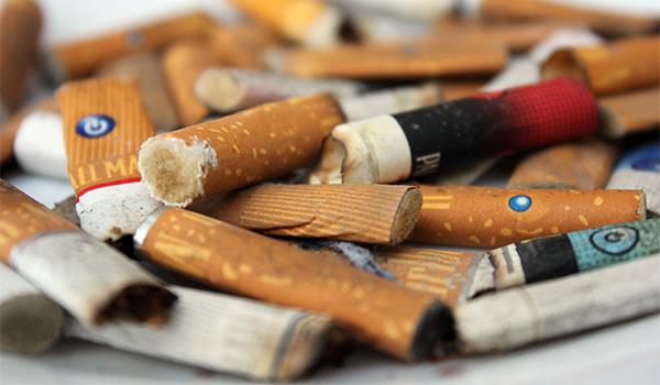 Jóvenes lideran estadística de fumadores en México