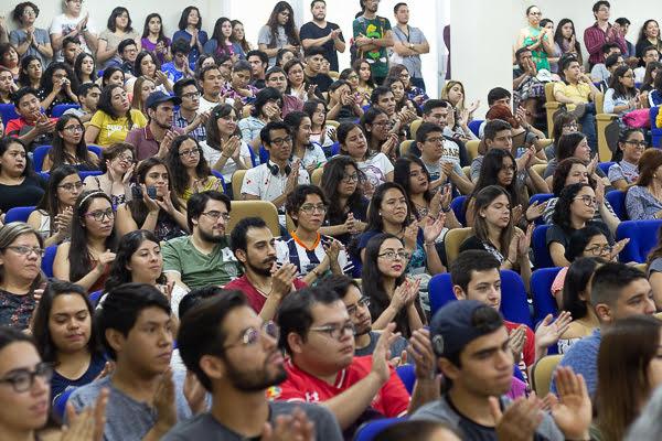 Ensamble de la OSUANL en la Facultad de Ciencias Biológicas