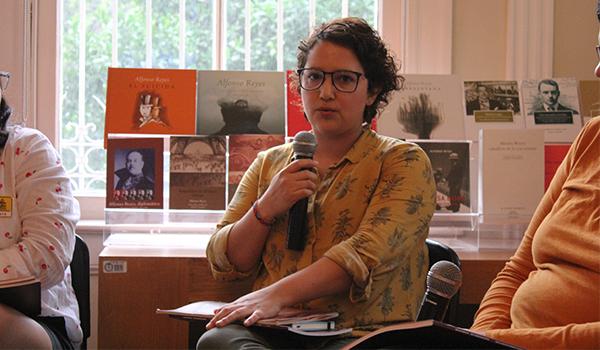 Karla Caballero, egresada de la carrera de Historia por la UANL y gerente en Librerías Gandhi Monterrey