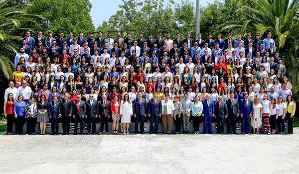 Estudiantes y profesores de la UANL que harán estancias académicas en otras universidades