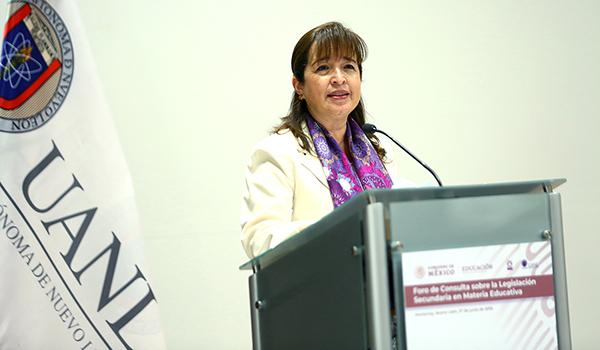 María de los Ángeles Errisúriz Alarcón, Secretaria de Educación de Nuevo León