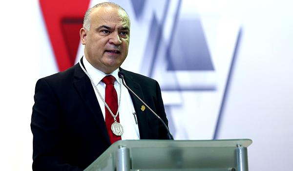 Luis Alberto Villarreal asume dirección de la FACPYA
