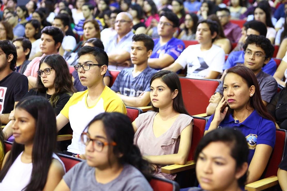 Jóvenes universitarios asistieron a la clausura del Provericyt UANL 2019
