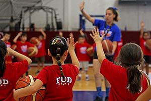 UANL da inicio al campamento infantil deportivo