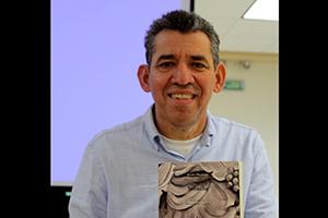 Reynol Pérez, apasionado por la traducción y el teatro
