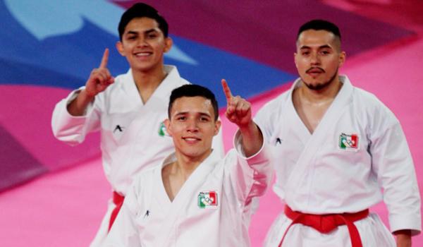 Diego Rosales y Jesús Rodríguez obtuvieron plata en karate kata por equipos