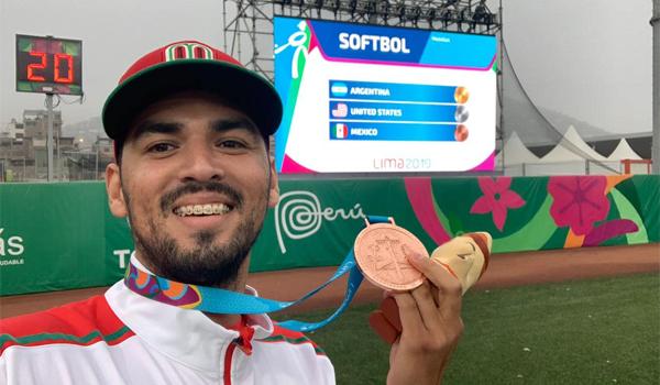 Ricardo Hernández de la FIME ganó medalla de bronce en softbol