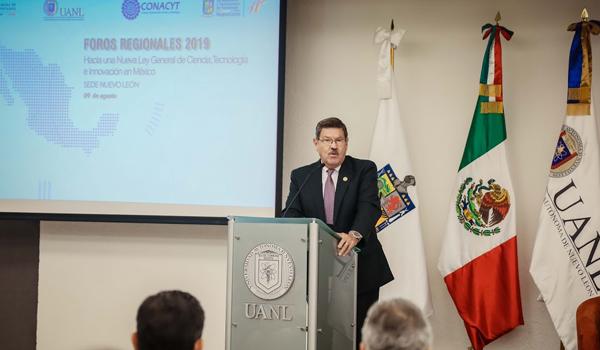 El Rector Rogelio Garza dirigió un mensaje en el encuentro regional