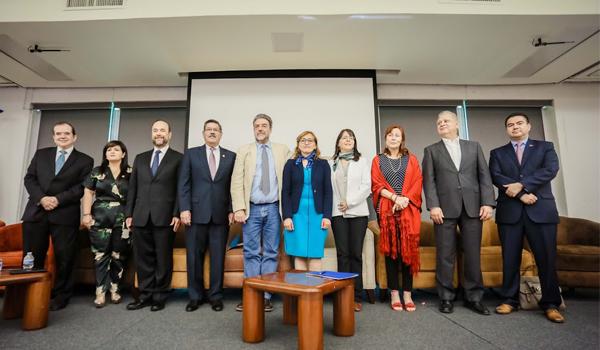 Autoridades legislativas, de ciencia y tecnología y varios rectores universitarios