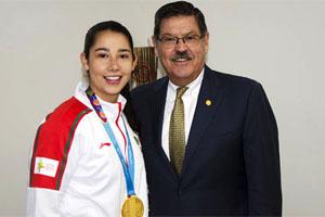 Monserrat Mejía: orgullosa medallista de Odontología