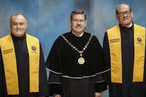 UANL galardona a 10 universitarios como Profesores Eméritos