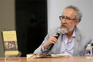 Gana Héctor Perea el Premio Alfonso Reyes 2019