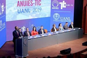 Universitarios analizan retos de las TIC