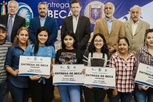 Apoyará UANL a jóvenes de Santiago, NL