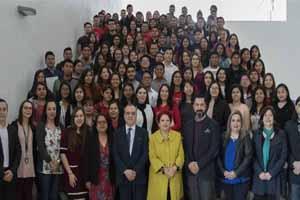 Dan bienvenida a estudiantes foráneos