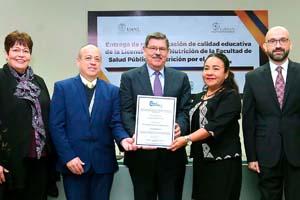 Carrera de Nutrición UANL refrenda su calidad en México