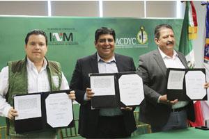 Ofrecerán UANL y Estado apoyo a migrantes