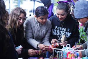 Celebra Prepa 2 con feria tradiciones indígenas