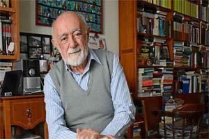 Dan a Carlos García Gual Premio Alfonso Reyes
