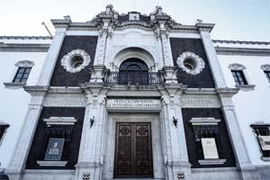 El edificio que alberga al #ColegioCivil comenzó a construirse en 1794. ¿Qué es lo que más te gusta de este recinto? #SomosUni