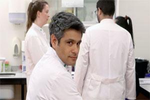 José Maximiliano Medina, egresado de la #UANL, diseñó desde Holanda una vacuna contra el VIH.