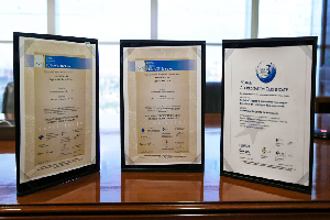 Three UANL academic programs were given international seals of distinction