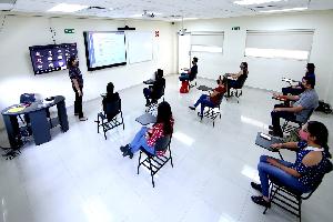 Instalan modelo híbrido para cursos intersemestrales