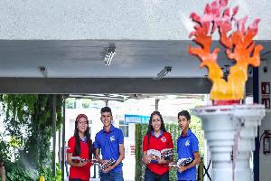Rinden homenaje a estudiantes en aniversario de UANL
