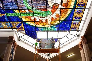 Emprende UANL rescate de vitrales